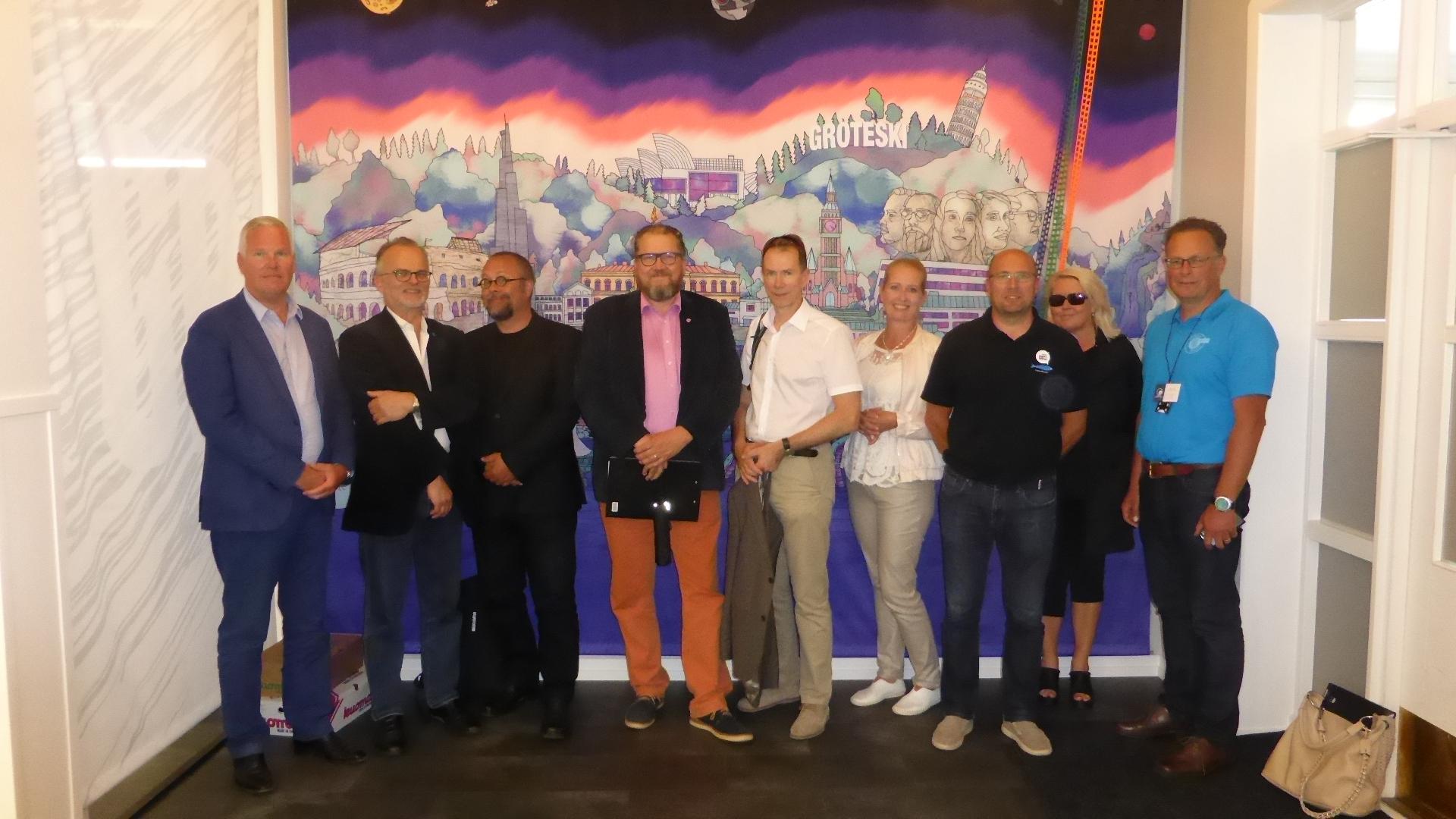 Mikkelin Symposiumin osanottajia Mikkelissä 10.8.2017